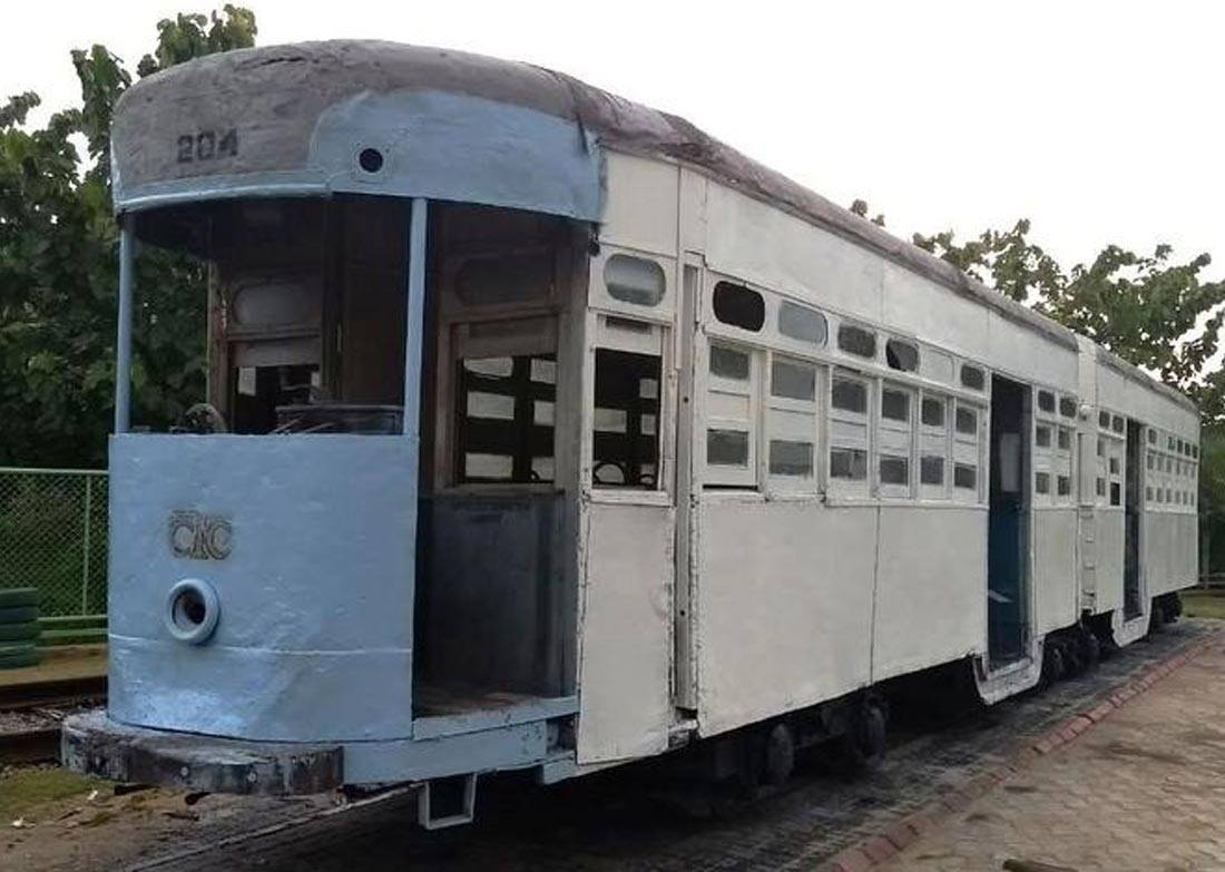 vintage-wooden-tram-gurgaon