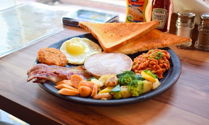 breakfast-urbunbox-galleria-market-gurgaon